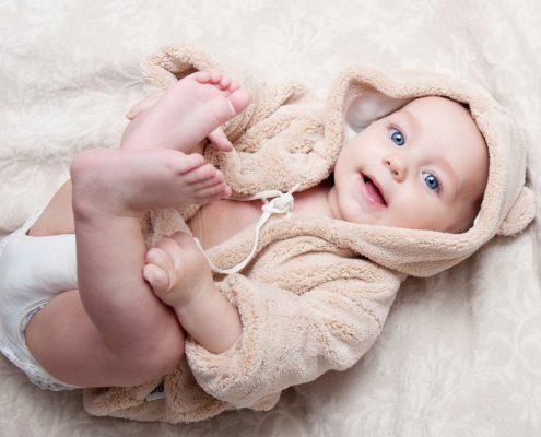 """תינוק שהגיע בפונדקאות בחו""""ל"""